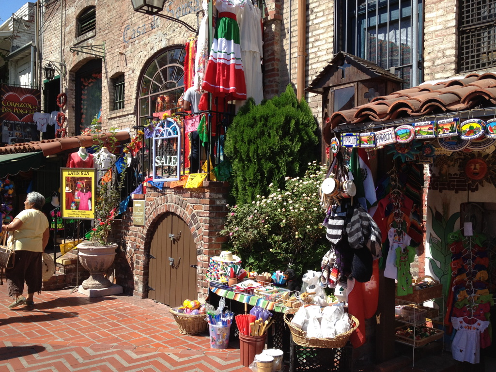 Olvera-Street-Los-Angeles-3