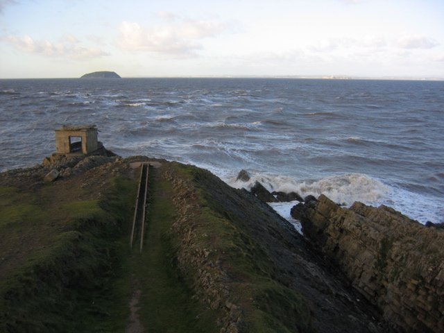 Brean_Down_Fort_and_Steep_Holm_-_geograph_org_uk_-_464549