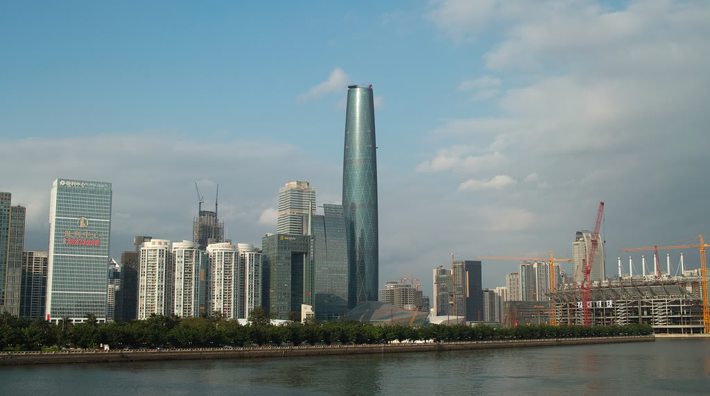 10.-Guangzhou-International-Finance-Center-building-in-China-has-a-height-of-438-meters